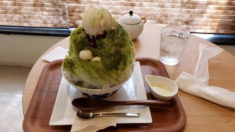 【画像】いまカフェにいるんやけどどのかき氷食べるべきかお前ら安価で決めてくれ