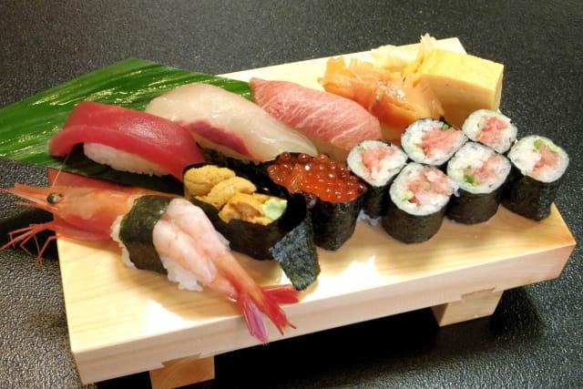 寿司って何で食べたらすぐ無くなるの?