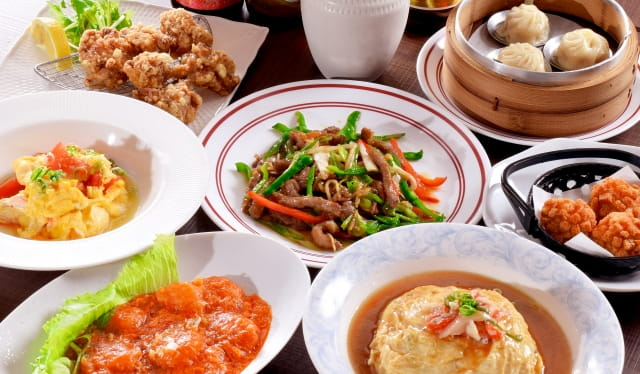 日本人「ほい、これが大好きな中華ね!(中華丼,冷やし中華,焼き餃子,天津飯)」 中国人「うわぁ・・・」