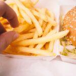 元SMAPの3人がマックでポテト食うだけ動画300万再生突破【(・∀・)イイ!!】